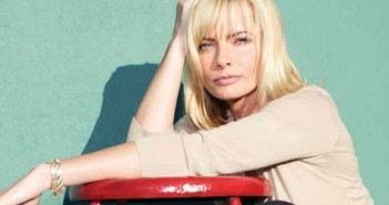 jaime-pressly-featured