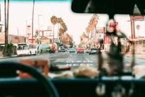 avoid la traffic