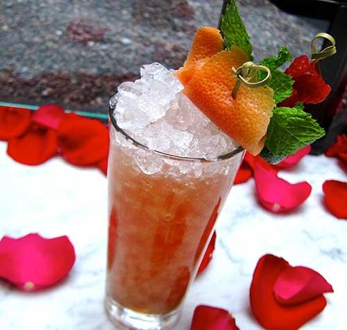 Acabar rum cocktail