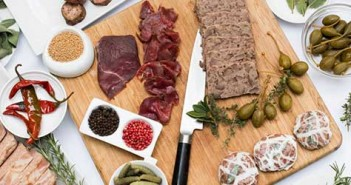 cafe-pinot-charcuterie-featured