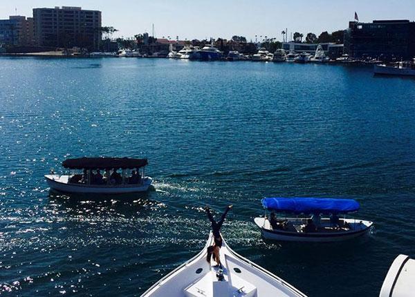 yoga-on-a-yacht-pacific-avalon2