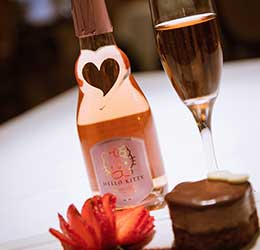 hello-kitty-wine-pairing-menu-at-antonello-dessert-with-hello-kitty-sweet-pink-wine