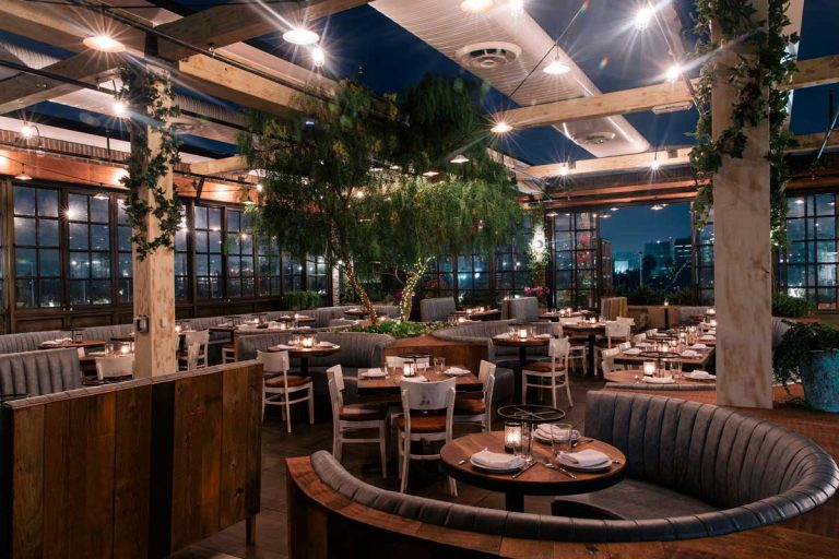 Catch La Offers 12 000 Square Feet Of Indoor Outdoor Dining E In The West Hollywood Design District