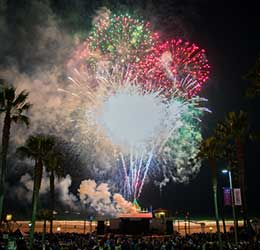manhattan-beach-fireworks