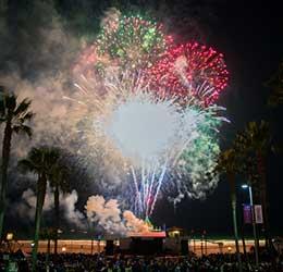manhattan-beach-fireworks