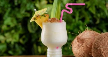 the grass skirt in pacific beach