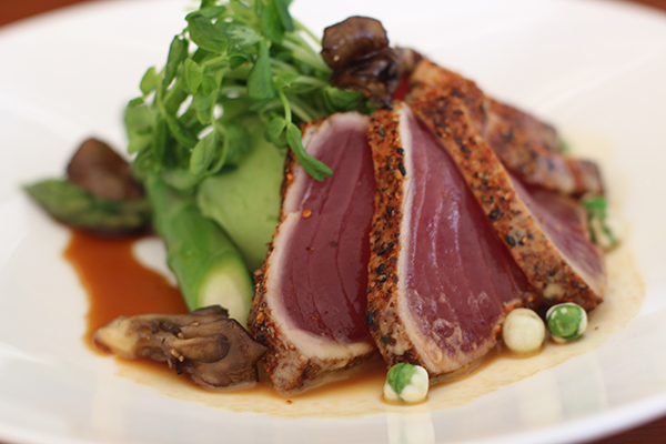 Beachcomber-Seared-Crusted-Yello-Tuna