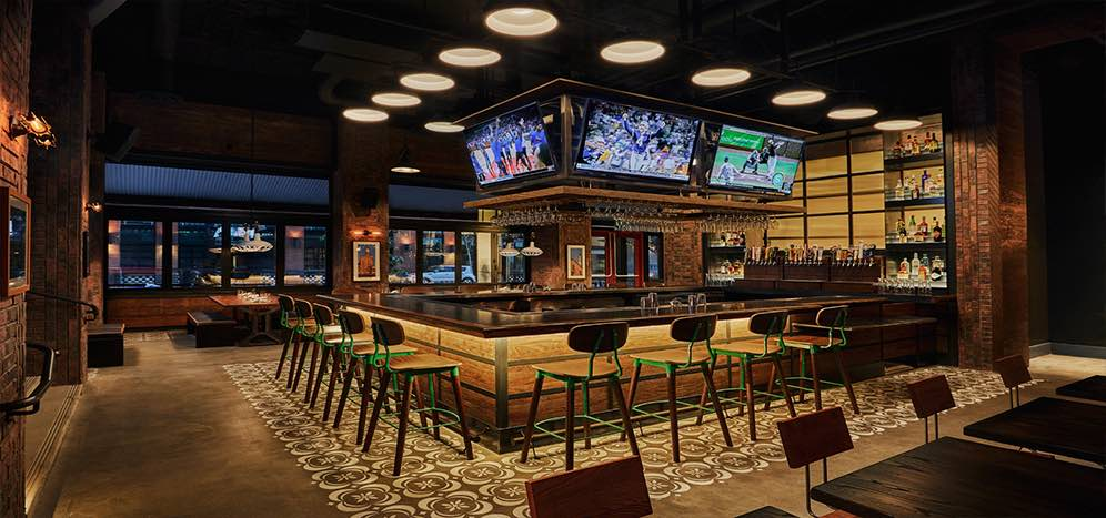 Head to the Pendry to watch the Purdue vs. Illinois game with former San Diego Chargers center Nick Hardwick.