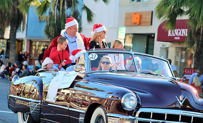Enjoy the holidays in La Jolla glory, with vintage automobiles, equestrian units, float and more.
