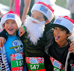 Run-for-a-Claus-photo-by-Paksit-Photos
