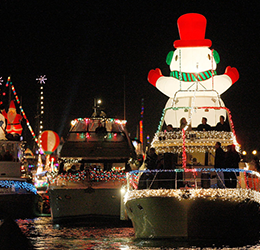 Lido-Marina-Village-Boat-Parade-Viewing-
