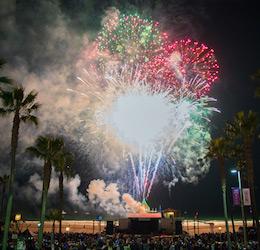 Manhattan Beach Holiday Fireworks