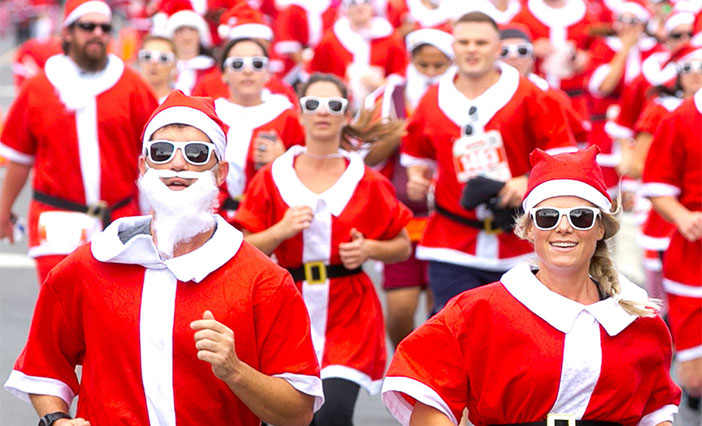 4,000 Santas will take over Garnet Avenue in Pacific Beach for the largest Santa Run in SoCal.