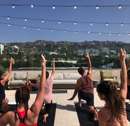 Yoga Wake Up x La Peer Hotel