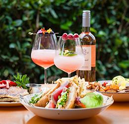 Summer-Frosé-Brunch-at-EATS-Kitchen-&-Bar-photo-courtesy-of-Hotel-Irvine