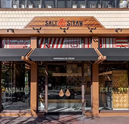 Salt-&-Straw-at-the-Downtown-Disney-District-photo-by-Jakob-Layman