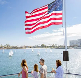 Fourth-of-July-Hornblower-photo-courtesy-Hornblower-Cruises-&-Events