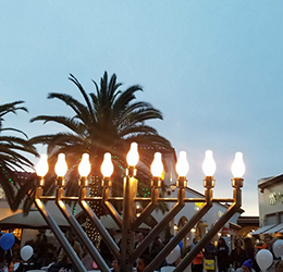 Menorah-Lighting-photo-courtesy-Outlets-at-San-Clemente