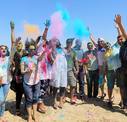 Holi-by-the-Sea-photo-by-Percy-Presswalla