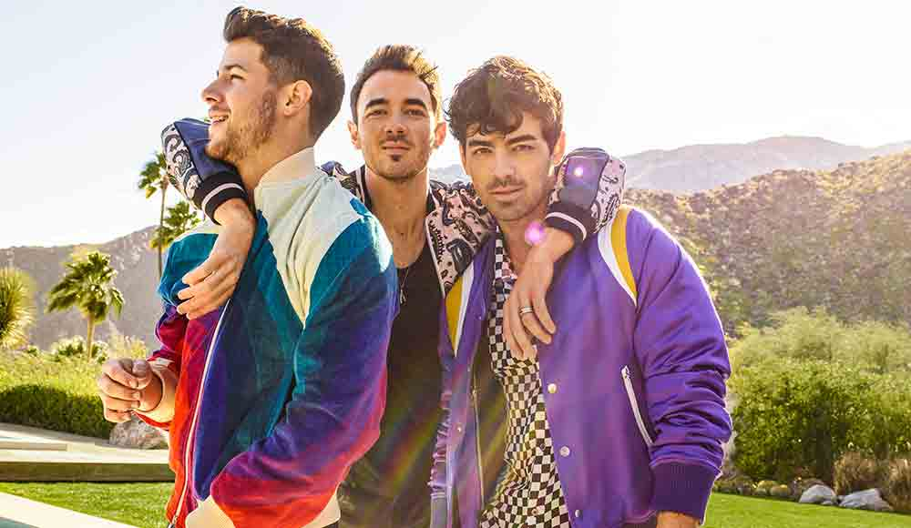 Jonas-Brothers-photo-by-Peggy-Sirota
