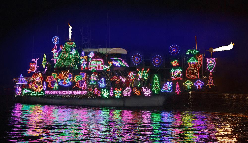 Newport-Beach-Christmas-Boat-Parade-photo-courtesy-Visit-Newport-Beach