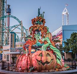 Knott's-Scary-Farm-Pumpkin-Fountain-photo-courtesy-Knott's-Berry-Farm