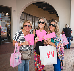 Outlets-at-San-Clemente-Shopping-Extravaganza-photo-by-Kait-McKay-Photography
