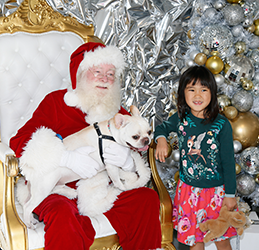 Pet-Photos-with-Santa-photo-courtesy-FWD-PR