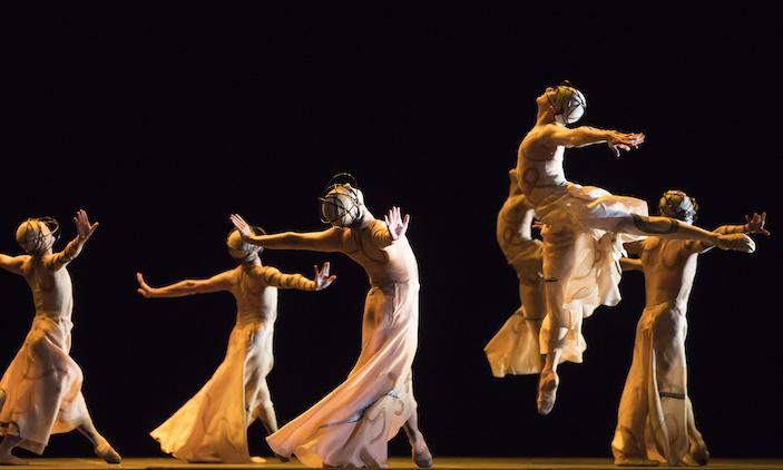 LA Opera photo by Todd Rosenberg Photography